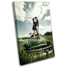 Kissing Couple Retro Car Love - 13-0162(00B)-SG32-PO